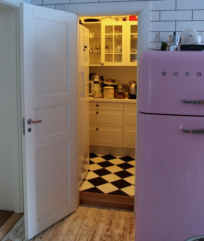 Sisustussuunnittelu: keittiön ruokakomero!